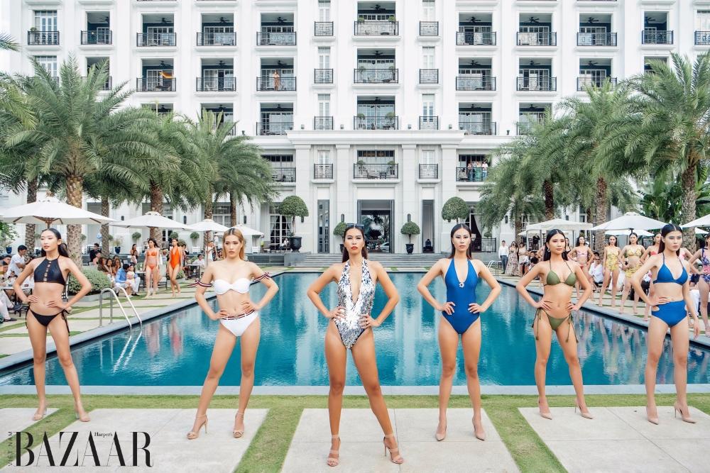 Siêu mẫu Hà Anh diễn áo tắm trên du thuyền 13 tỷ đồng 1