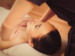 cách massage làm tăng kích thước vòng 1