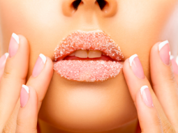 cách tẩy tế bào chết cho môi tại nhà
