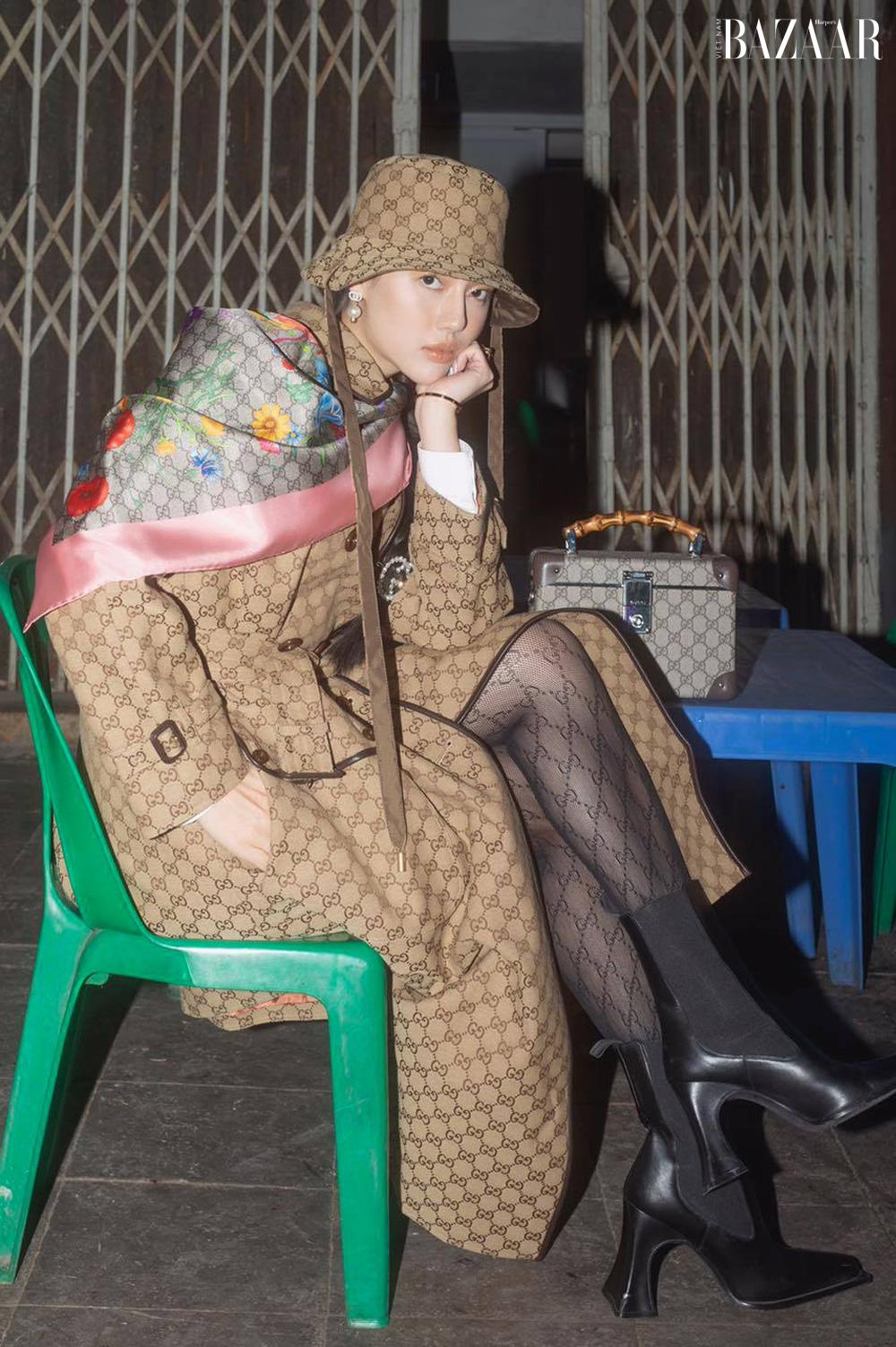 """""""Cô em Trendy"""" Khánh Linh diện nguyên cây Gucci làm tour guide Hà Nội 5"""