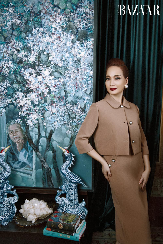 Chất nữ cường trong phong cách thời trang của NSND Lê Khanh ở Gái già lắm chiêu V