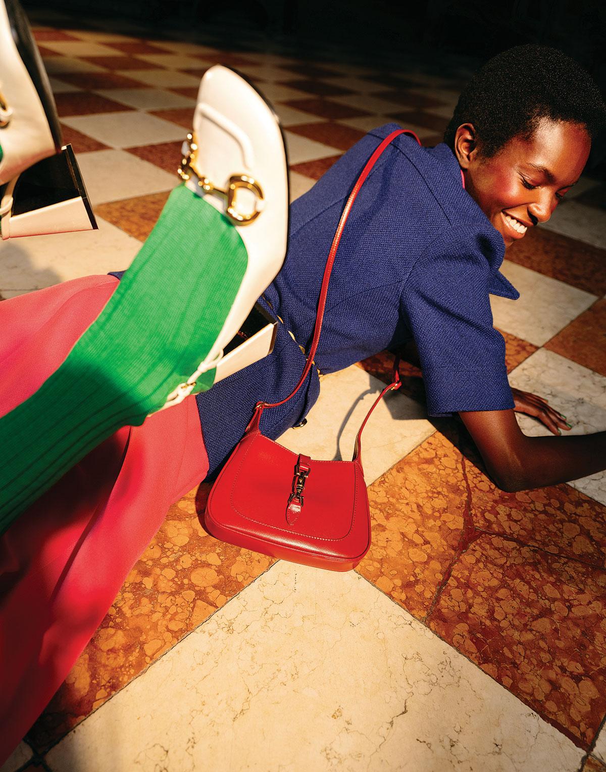 """Gucci Jackie 1969: Dòng túi """"đinh"""" của BST Epilogue"""