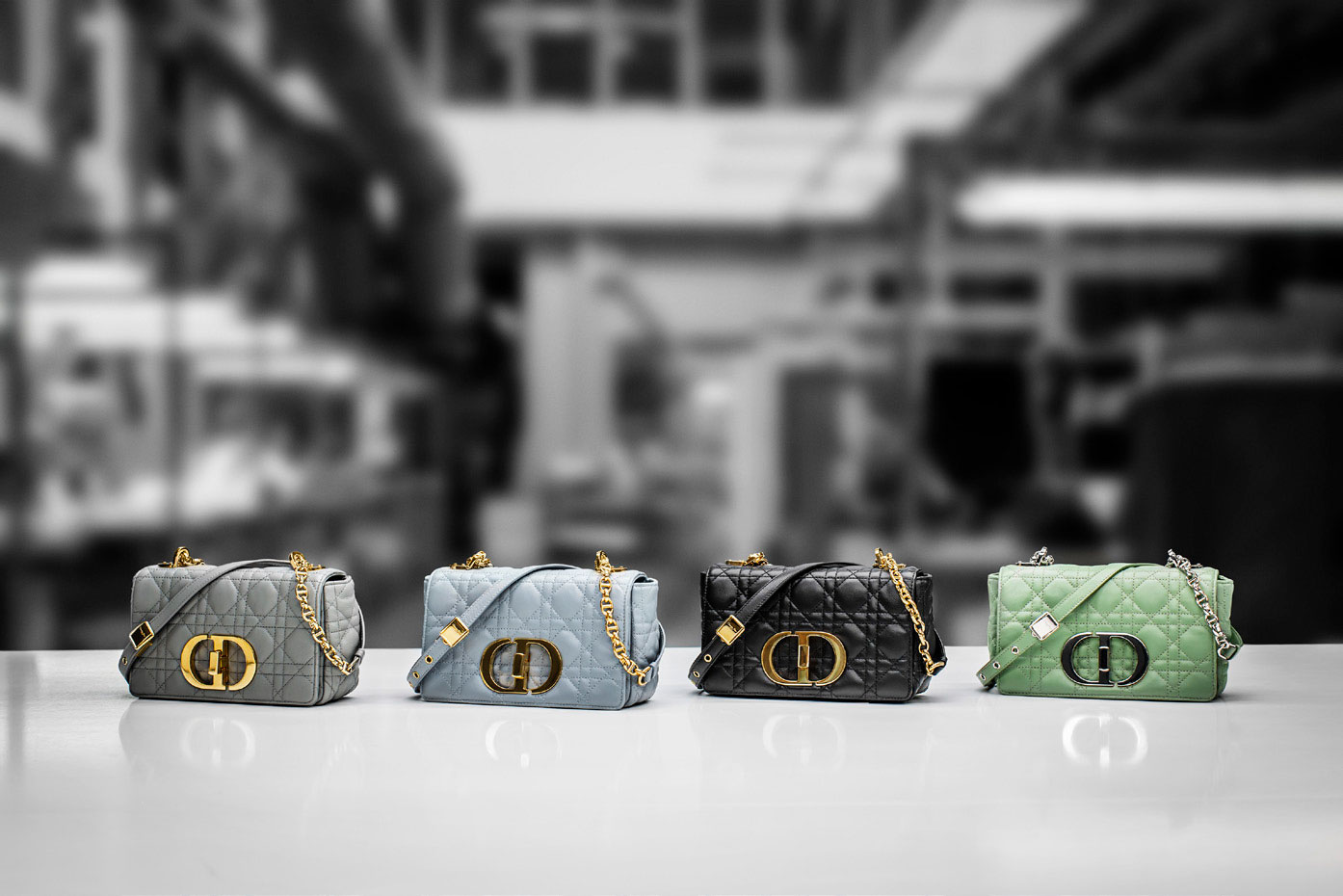 Dòng túi Dior Caro cỡ nhỏ