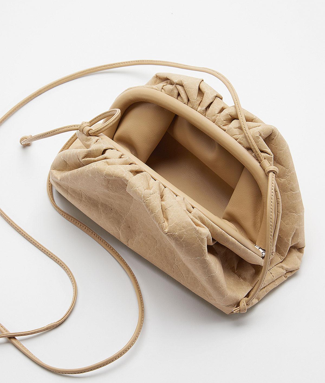 Bạn có sẵn sàng chi tiền mua túi Bottega Veneta từ giấy tái chế? 2