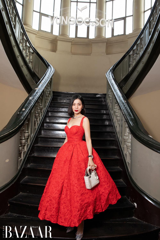 Thảm đỏ hot nhất đầu năm 2021: Dàn sao Việt đình đám quy tụ trong show của Vungoc&son 10