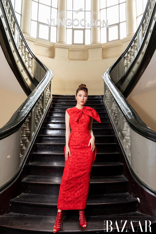 Thảm đỏ hot nhất đầu năm 2021: Dàn sao Việt đình đám quy tụ trong show của Vungoc&son 17