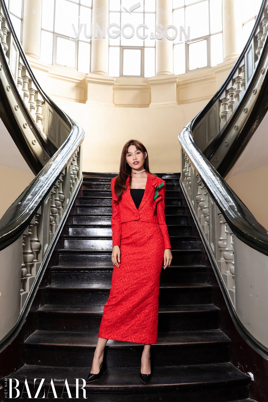 Thảm đỏ hot nhất đầu năm 2021: Dàn sao Việt đình đám quy tụ trong show của Vungoc&son 22