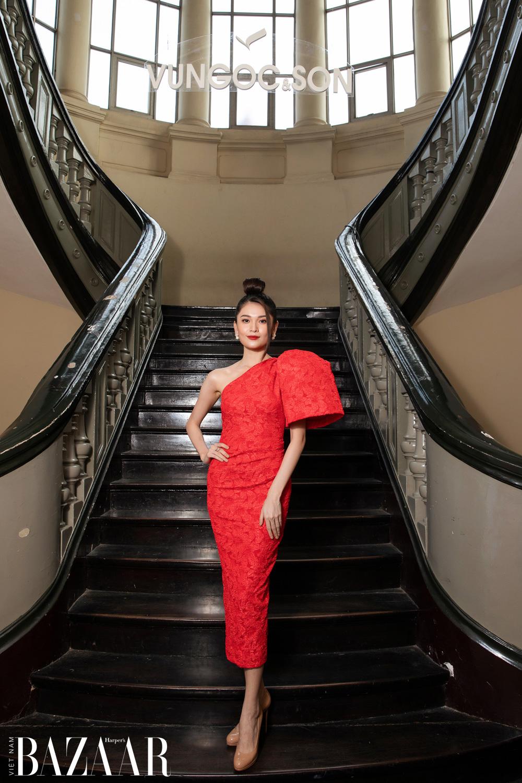 Thảm đỏ hot nhất đầu năm 2021: Dàn sao Việt đình đám quy tụ trong show của Vungoc&son 31