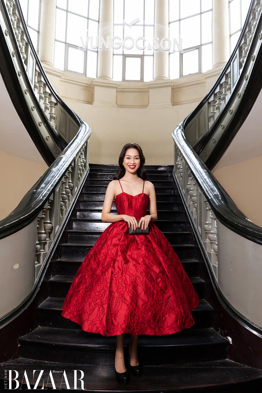 Thảm đỏ hot nhất đầu năm 2021: Dàn sao Việt đình đám quy tụ trong show của Vungoc&son 21