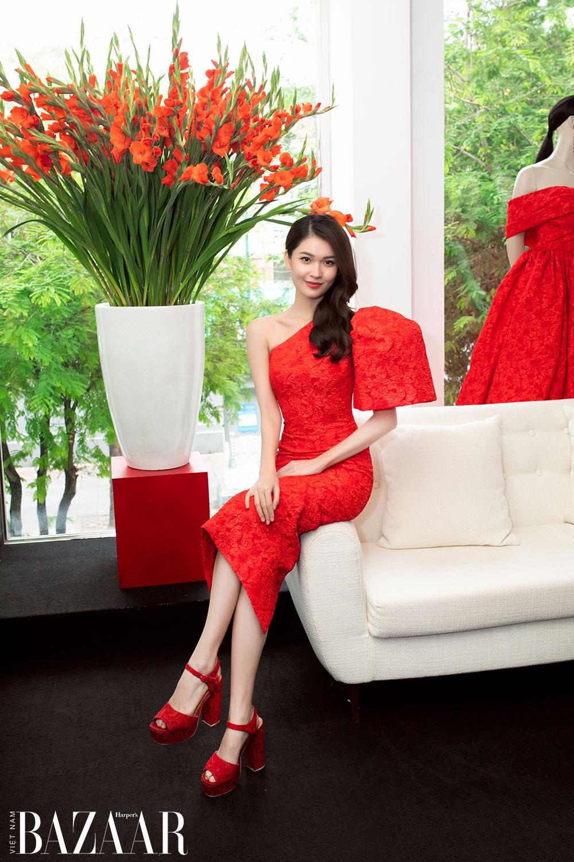 Dàn hoa hậu, á hậu khoe sắc đồng loạt chọn đầm đỏ của VUNGOC&SON 7