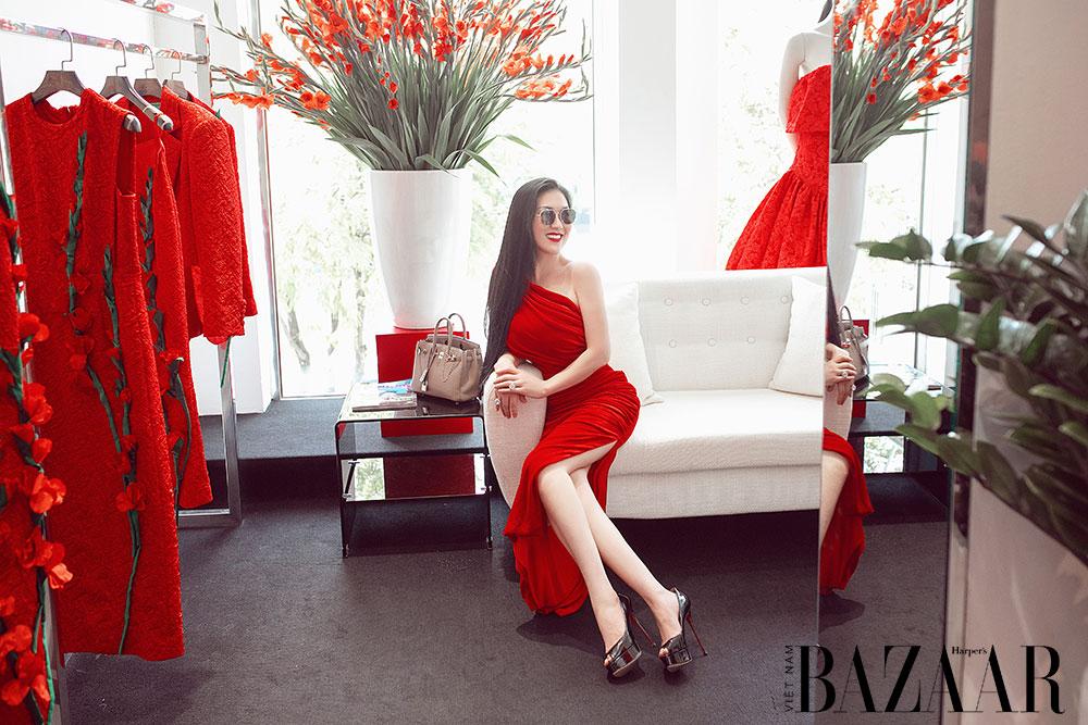 Dàn hoa hậu, á hậu khoe sắc đồng loạt chọn đầm đỏ của VUNGOC&SON 11