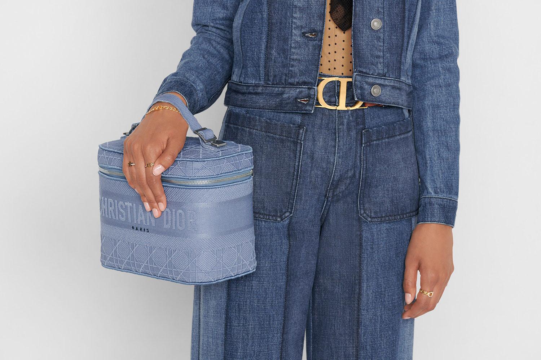 Xu hướng túi xách hot năm 2021: Túi Vanity Bag 8