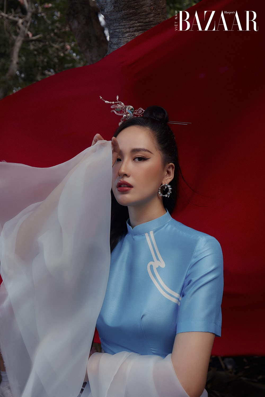 Mai Phương Thúy mặc áo dài Tết cách tân từ Just K của Lưu Ngọc Kim Khanh