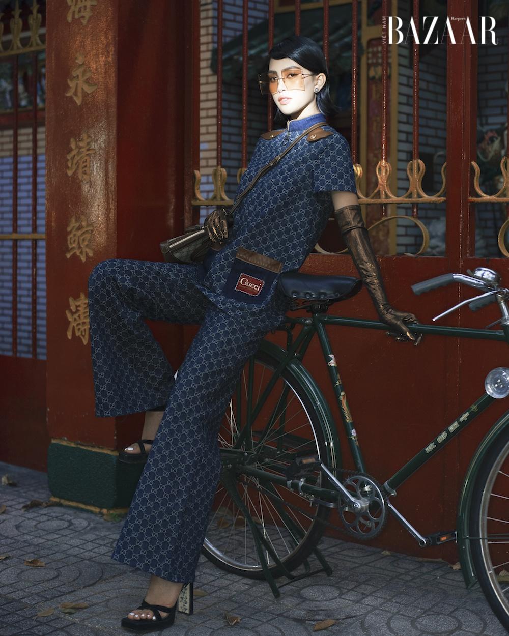 Hoa hậu Tiểu Vy chơi Tết với trang phục Gucci đậm chất retro