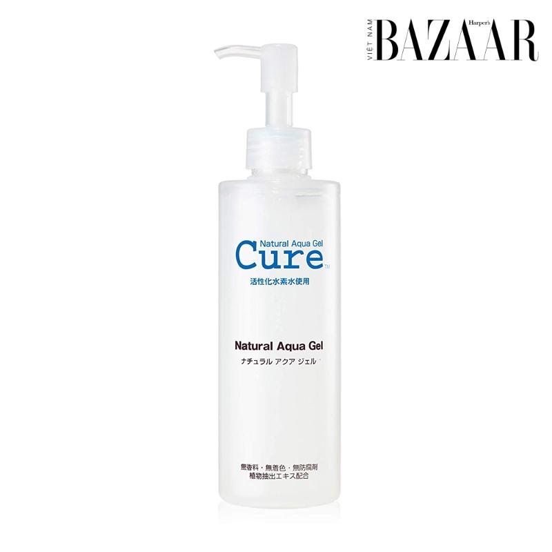 BZ-duong-am-dung-cach-cure-natural-aqua-gel