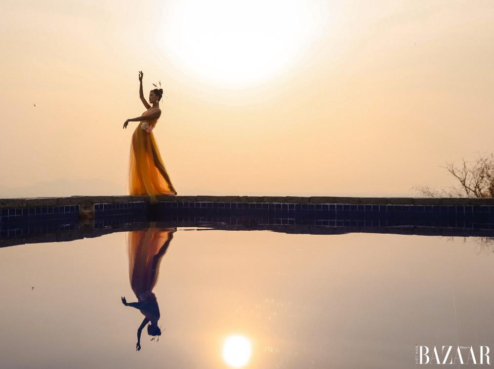 Shot hình ngược sáng vô cùng nên thơ trong bộ ảnh Hương.