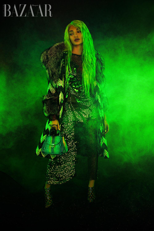 Devin Dygert, Joaquin Aristides Flores, làm trang phục phát sáng 5