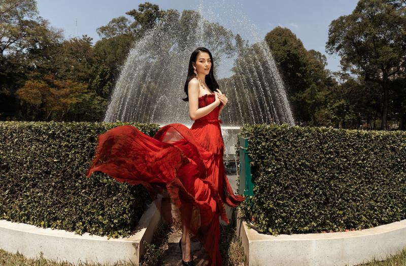 Hoa hậu Phương Khánh diện đầm dạ hội Trần Hùng đi xe bus du xuân 1