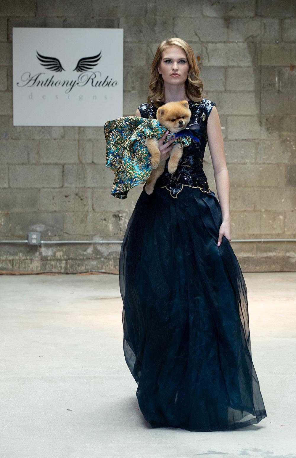 Anthony Rubio ra mắt thời trang cún cưng tại Tuần lễ thời trang New York 6