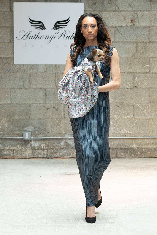 Anthony Rubio ra mắt thời trang cún cưng tại Tuần lễ thời trang New York 2