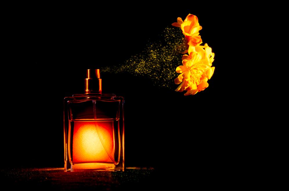cách làm nước hoa tại nhà