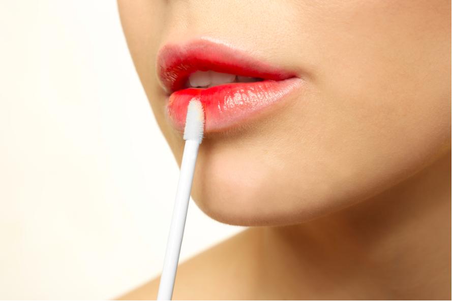 Kỹ thuật tô son lòng môi