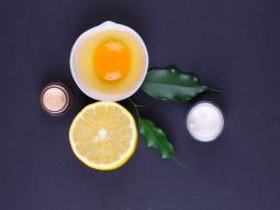 cách trị mụn cám bằng trứng gà