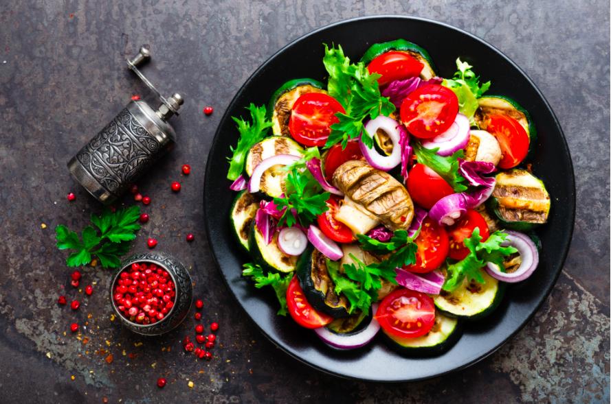 rau salad trộn với nấm