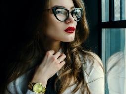 chọn kính cận phù hợp với khuôn mặt nữ