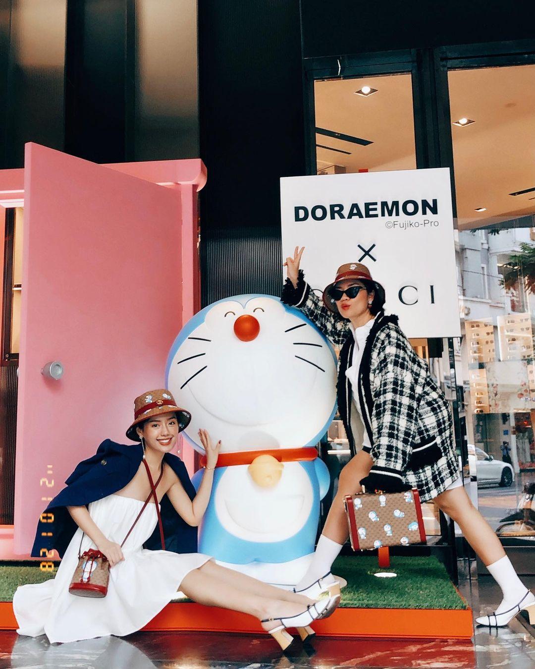 Điểm chụp ảnh hot mùa Tết: Cửa hàng Gucci với mèo máy Doraemon