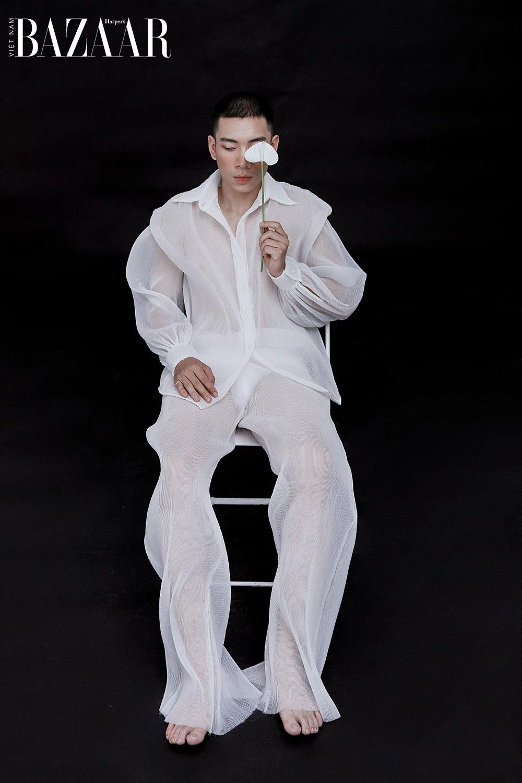 Klei Studio khẳng định, trắng đen cũng là cách diệ đồ đôi Valentine sang xịn