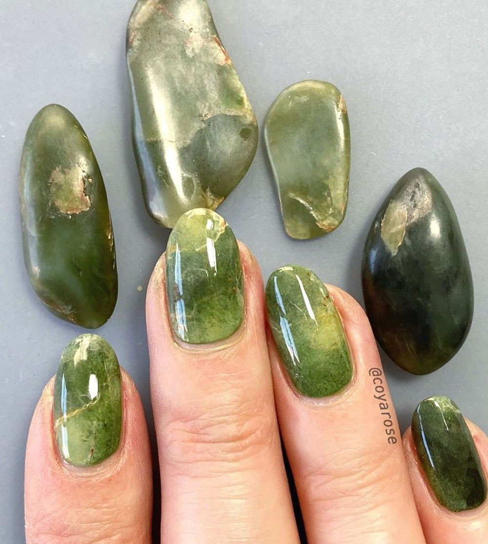 Mẫu móng tay sang đẹp chơi Tết: Họa tiết ngọc thạch (jade nails)
