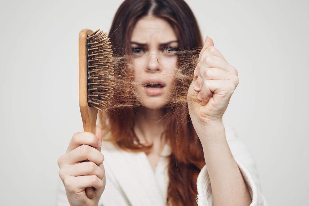 nguyên nhân gây rụng tóc ở nữ giới