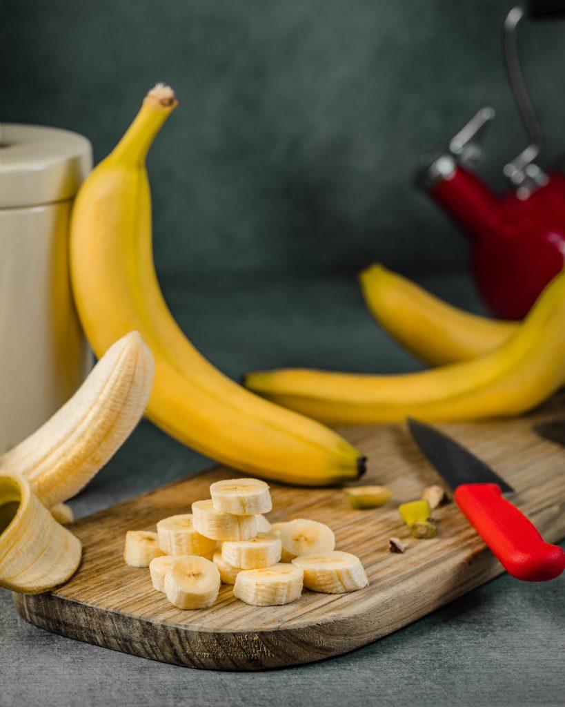 Chuối - Top đầu những loại trái cây tốt cho da mặt khô