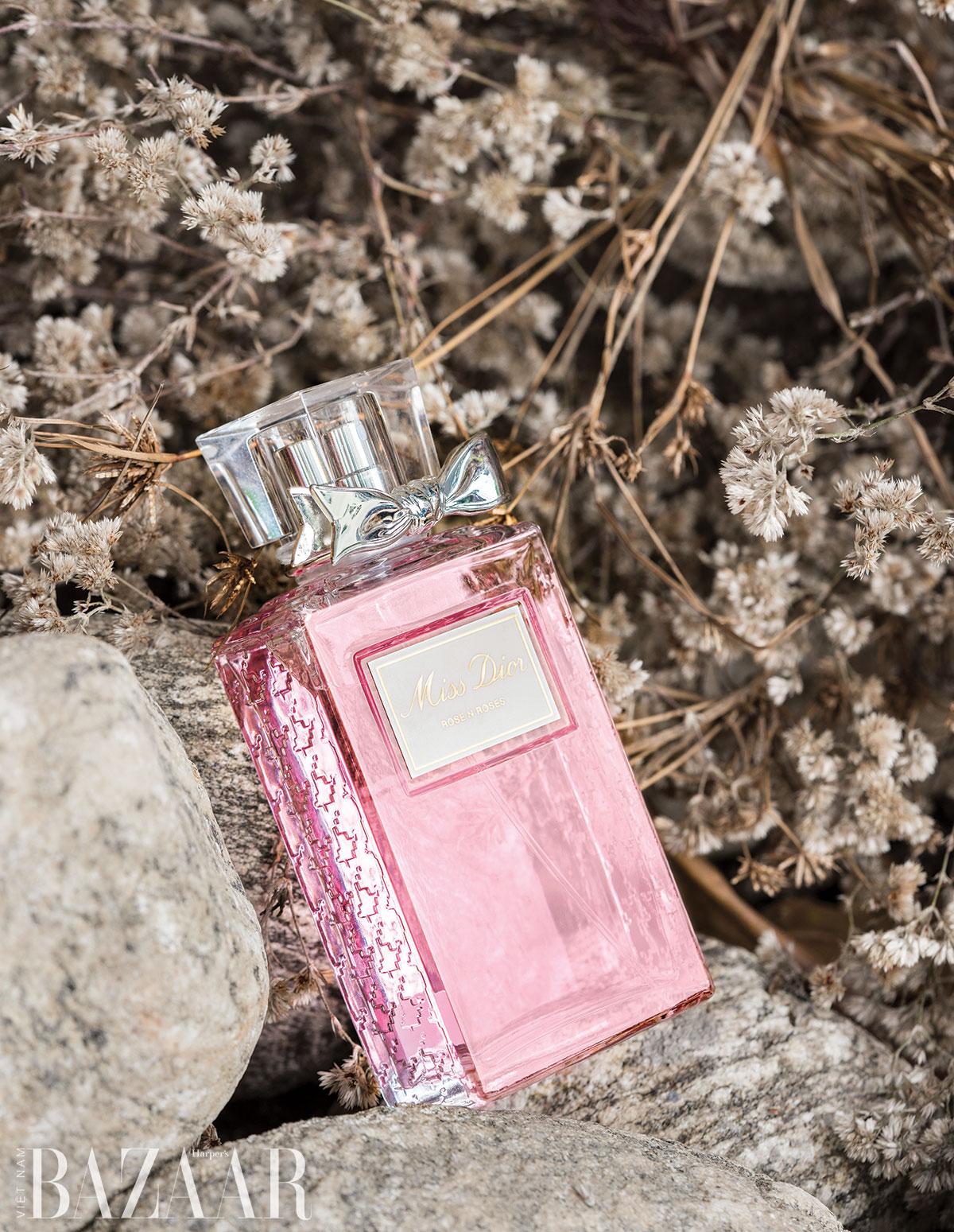Hương nước hoa nữ cao cấp làm quà tặng Valentine: Miss Dior Rose N'Roses