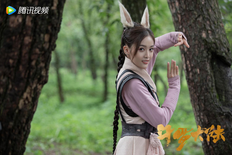 Dàn diễn viên chính phim Đấu La Đại Lục: Ngô Tuyên Nghi vai Tiểu Vũ