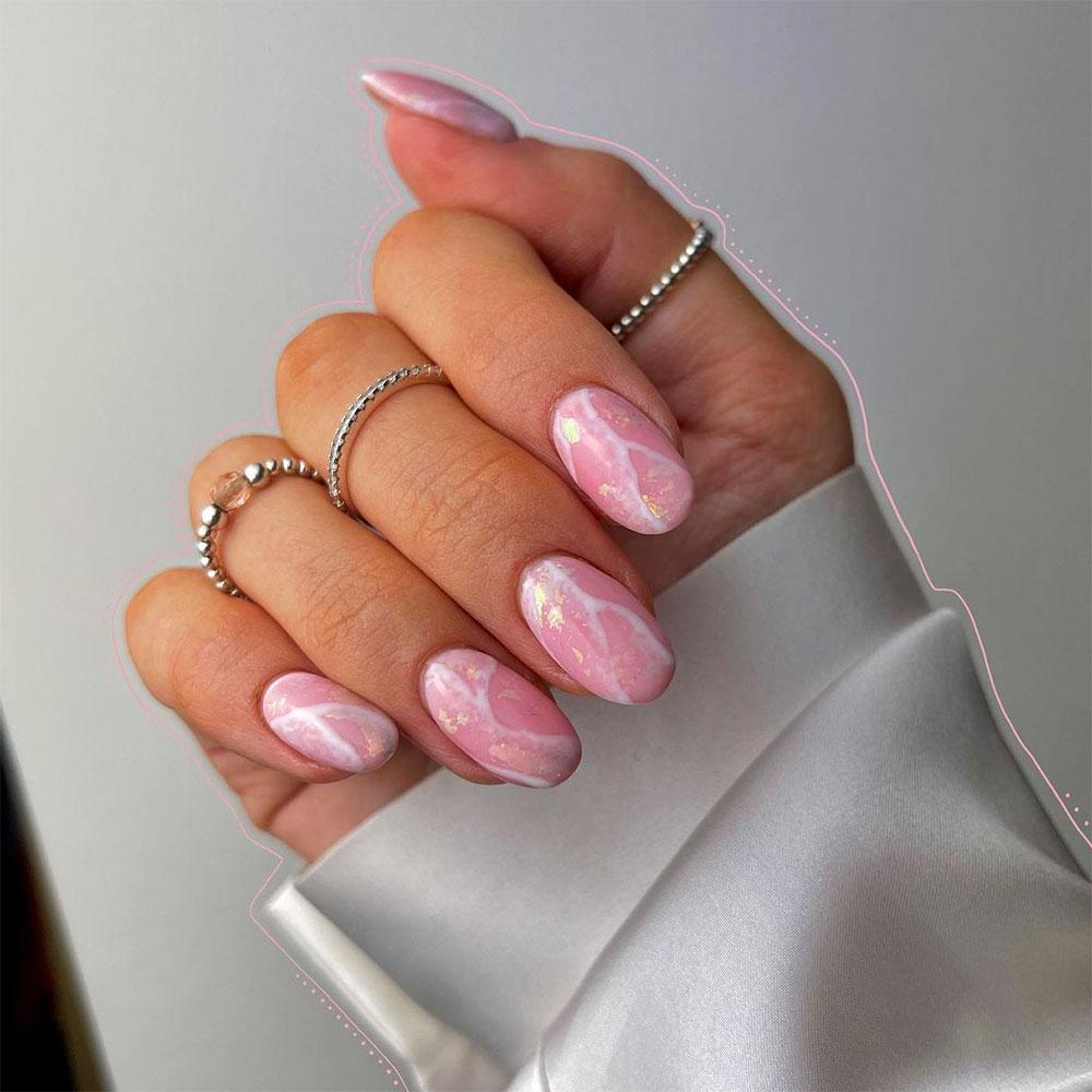 5 mẫu móng tay màu hồng đất giúp tạo đôi tay thon dài, thanh thoát 3
