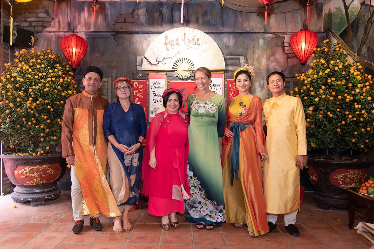 Buổi tiệc Tết Celebration 2021 tại Ann Quán do siêu mẫu Vũ Thu Phương và chị Trang Lê tổ chức