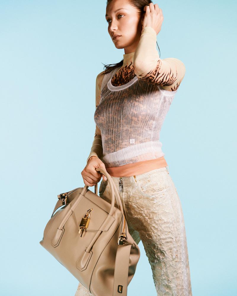 Givenchy tái thiết kế mẫu túi Antigona huyền thoại cho 2021 2
