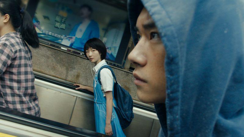 Châu Đông Vũ và Dịch Dương Thiên Tỉ trong phim Em của thời niên thiếu. Ảnh: Netflix.