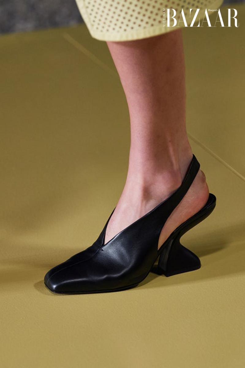BZ-accessories-trend-xuan-he-2021-ferragamo---Shoes