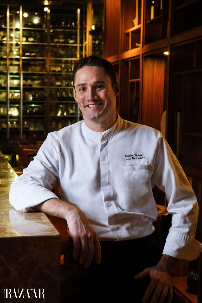 Bếp trưởng nhà hàng Square One, Adrien Guenzi.