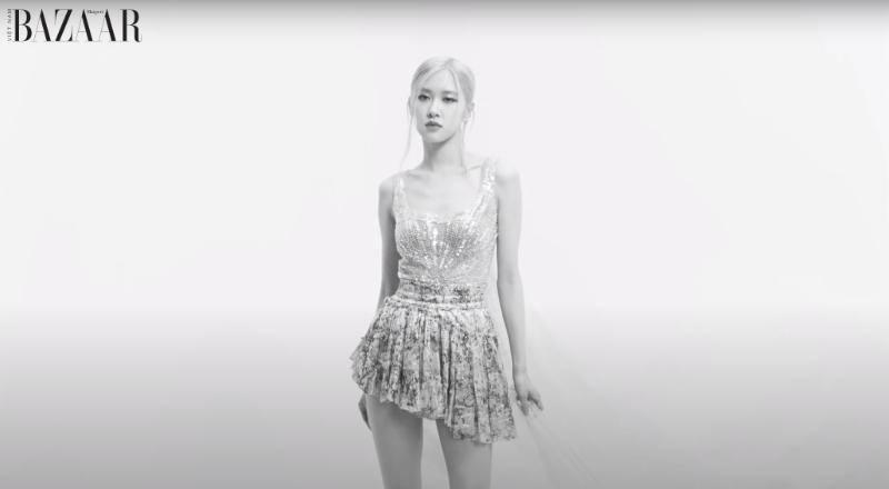 Rosé Park trẻ trung và nữ tính với biến tấu của stylist với chiếc bodysuit trong MV.