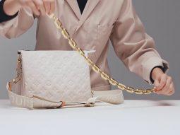 Để may nên chiếc túi Coussin Louis Vuitton cần 1.000 mũi khâu