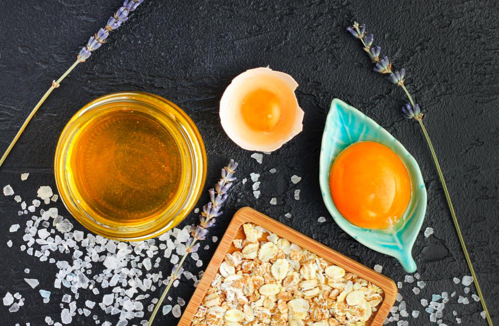 Mặt nạ trứng gà mật ong dưỡng da