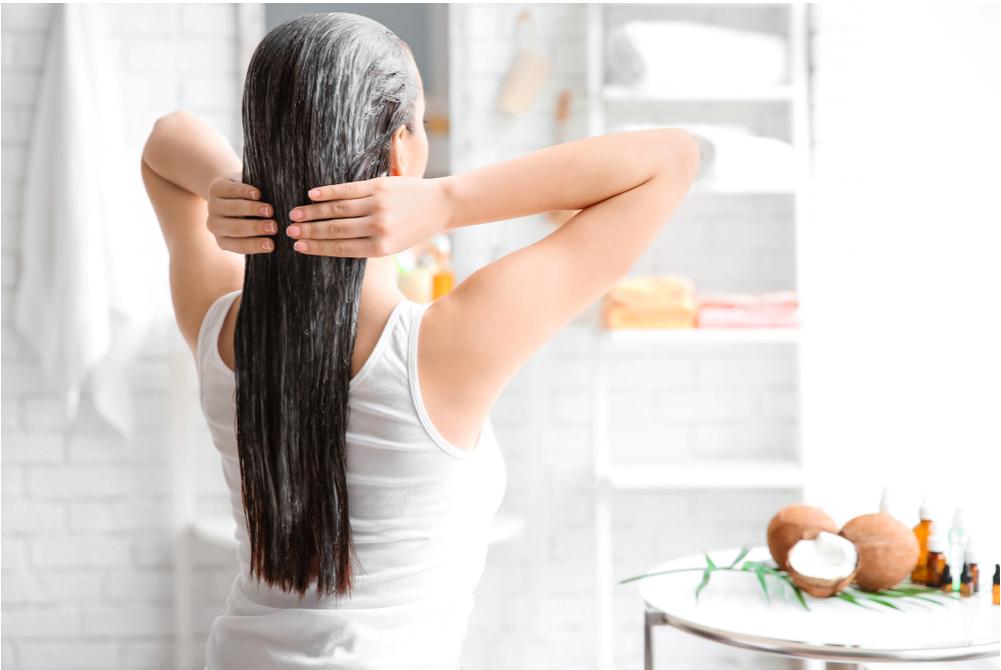 dùng kem xả để tóc nhanh phục hồi