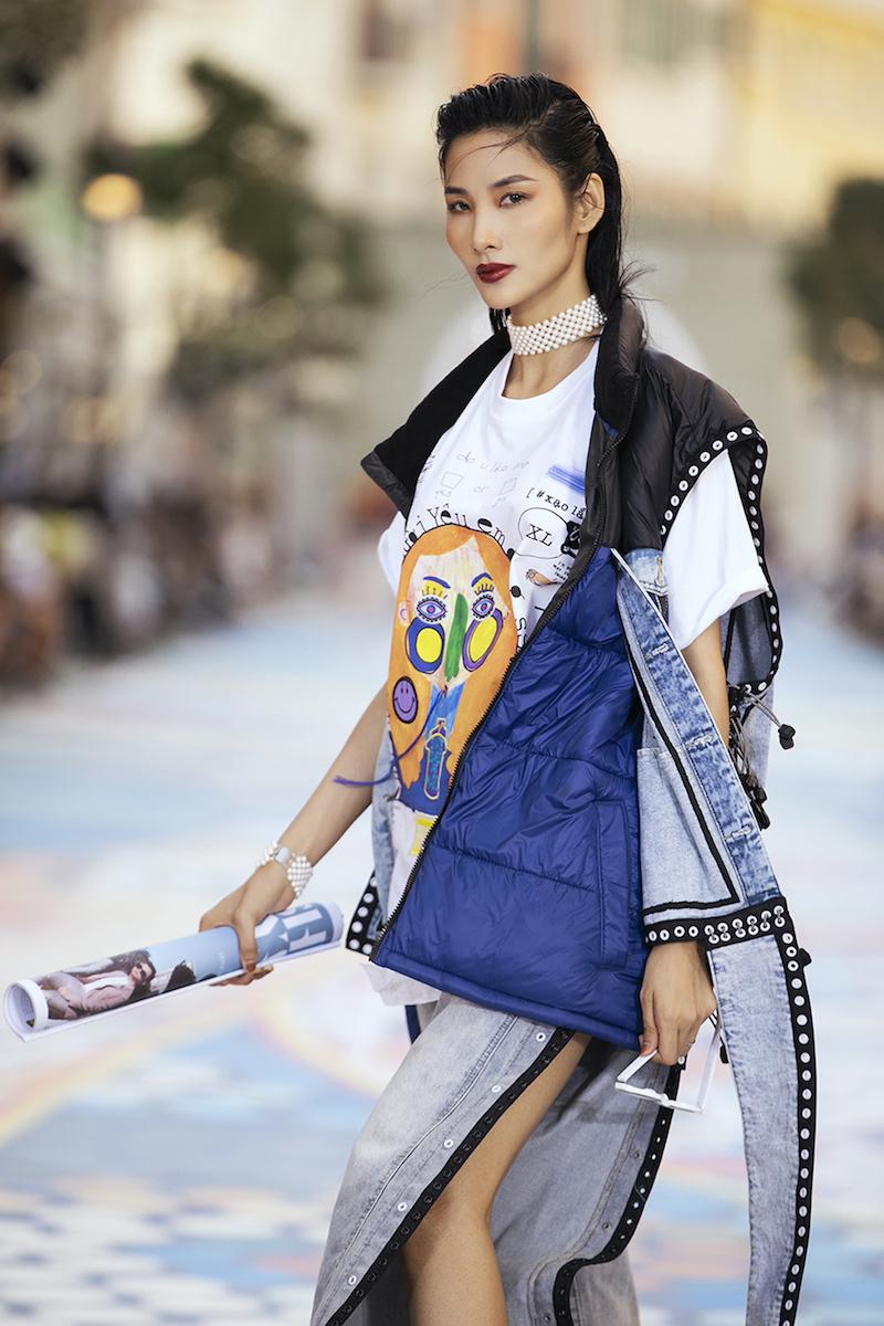 NTK Võ Công Khanh mở màn show diễn của Fashion Voyage #3 2