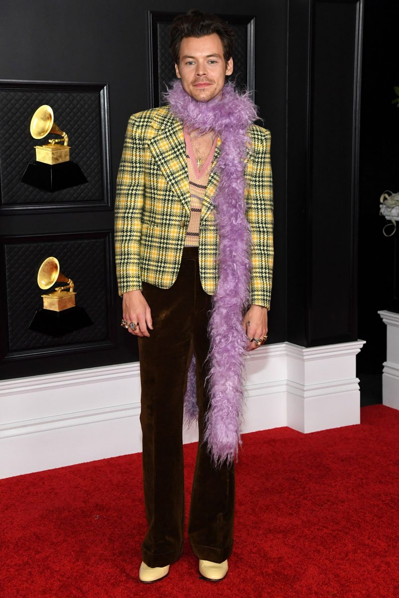 Thảm đỏ Grammy 2021: Billie Eilish, Harry Styles lăng xê Gucci, dàn sao Louis Vuitton đổ bộ 3