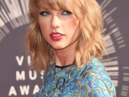 Taylor Swift, kiểu tóc phù hợp với khuôn mặt trái xoan