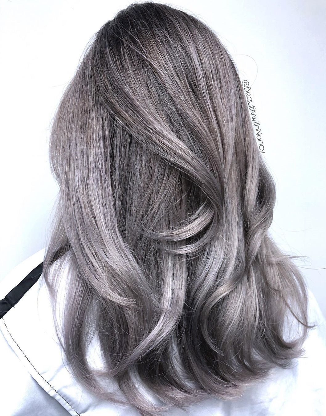 nhuộm tóc ombre màu xám khói